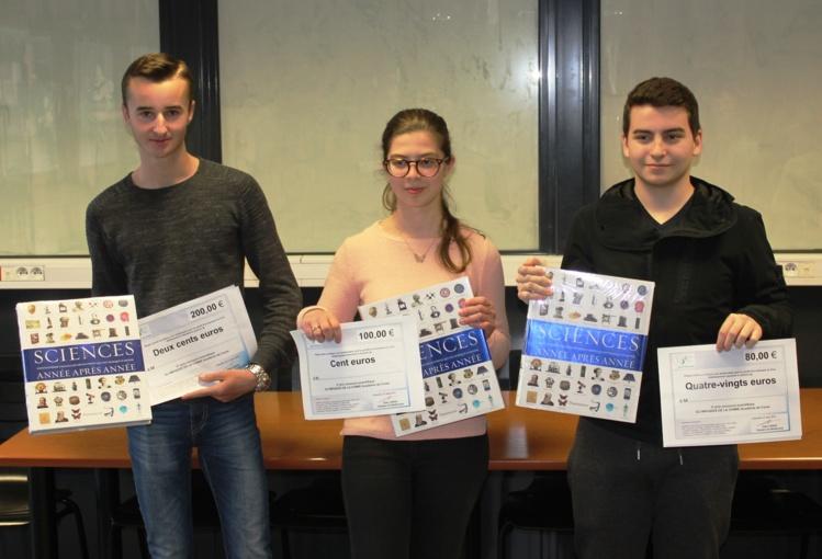 (De gauche à droite) 1er prix : Pol Bouillenne (T°S2) et 3ème prix François-Baptiste Andreani (T°S1)