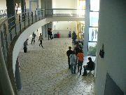 Hall d'entrée du lycée