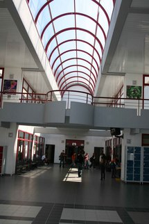 Hall d'entrée du collège