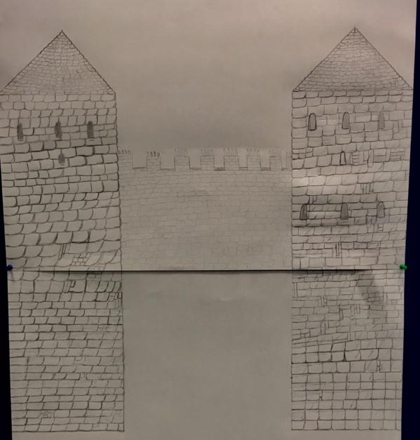 Vue d'un côté du château