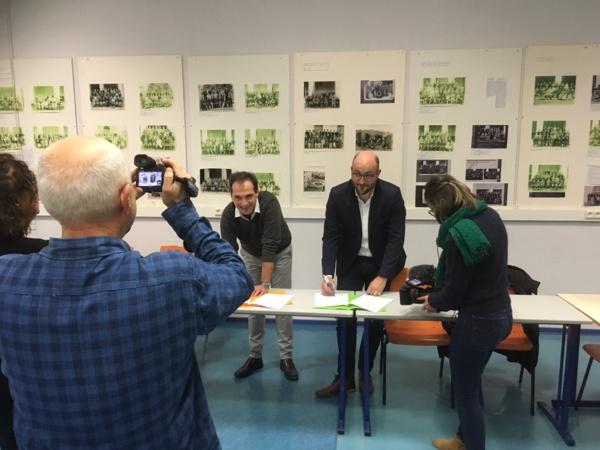 Signature de la Convention entre M. Cacciaguerra, Principal du Collège et M. Celeri, Président de l'Ordre des Architectes.