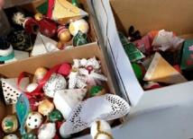 Sapin de Noël offert par le FSE et décorations réalisées par l'atelier La Nouvelle Vie des Objets