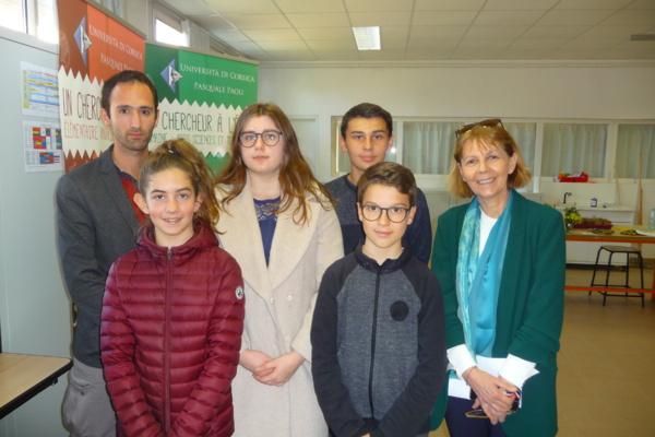 Les élèves de l'atelier webradio avec Mme Chevalier, Préfète de Corse.