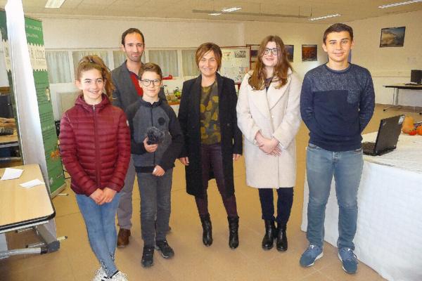 Les élèves de l'atelier webradio avec Mme Giacometti, Conseillère Exécutive de Corse.